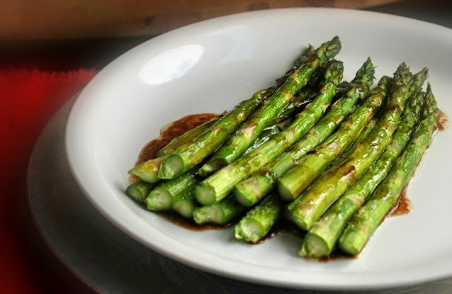 Balsamic Glazed Roasted Asparagus