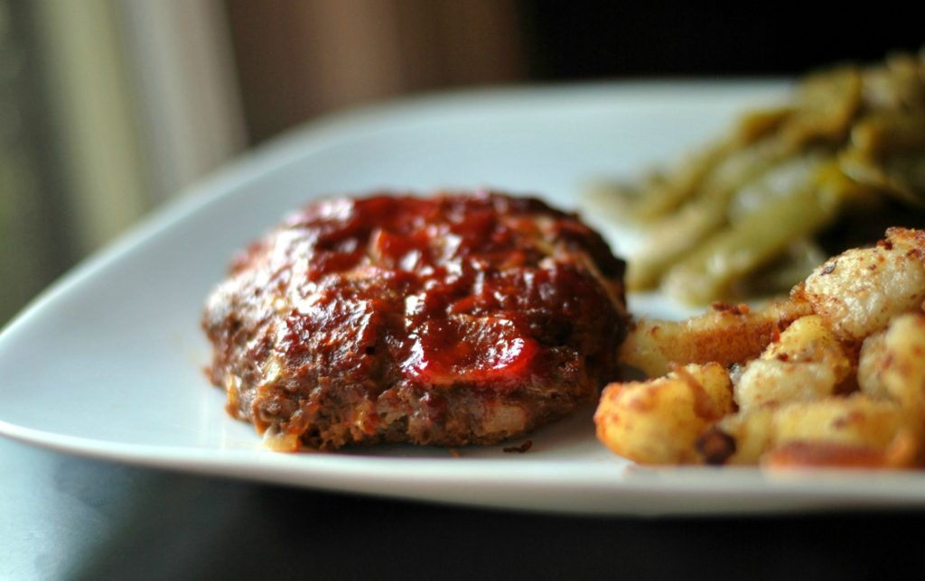 Bacon Cheeseburger Mini Meatloaf Patties | Aunt Bee's Recipes