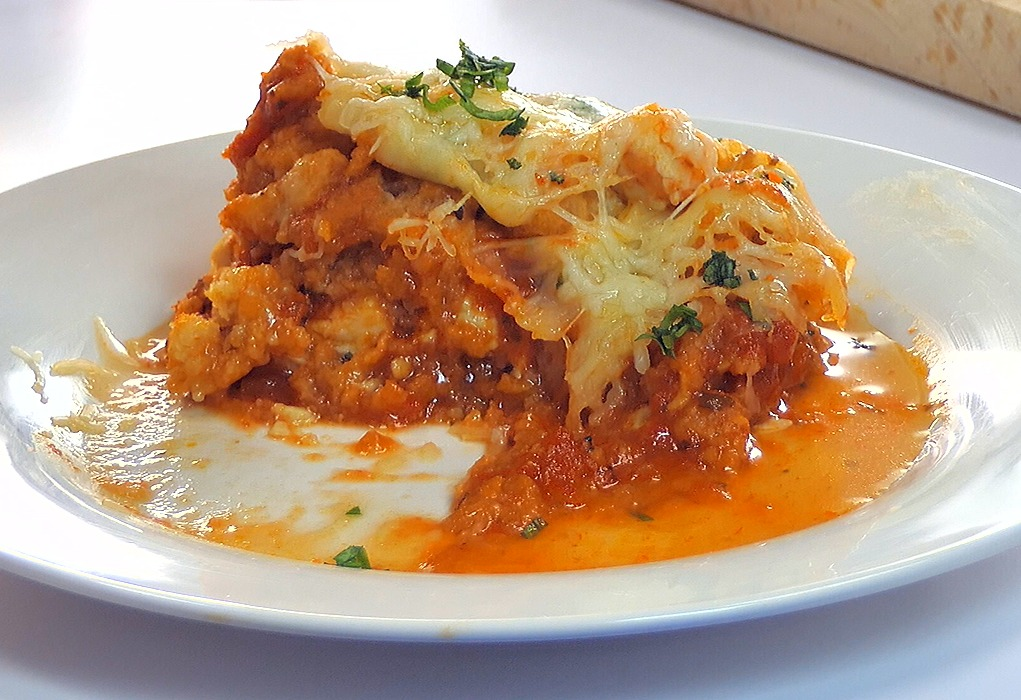 Easy Chicken Parmesan Casserole New Pic 1