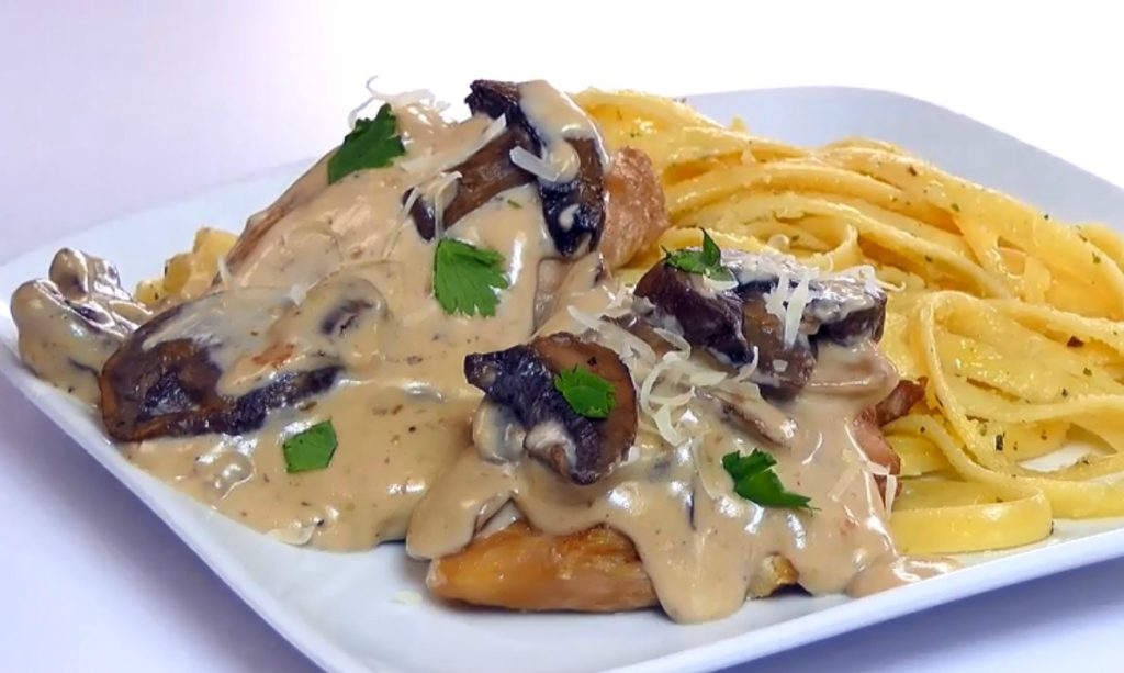Slow Cooker Chicken Marsala | Aunt Bee's Recipes